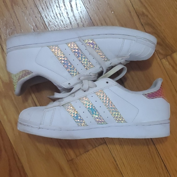 adidas superstar holographic stripes where to buy
